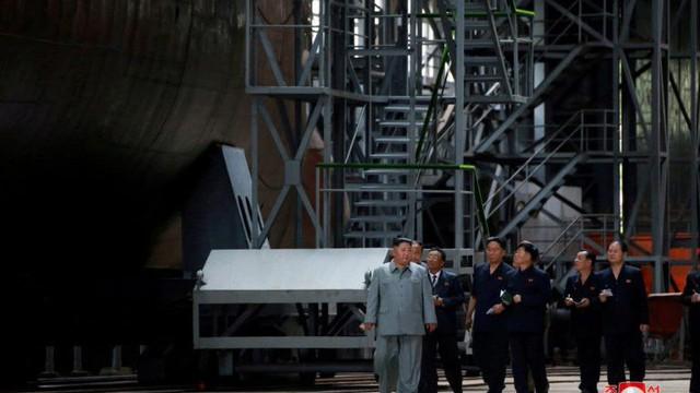 Bất ngờ lớn trước nguồn gốc tàu ngầm tên lửa đạn đạo thế hệ mới của Triều Tiên