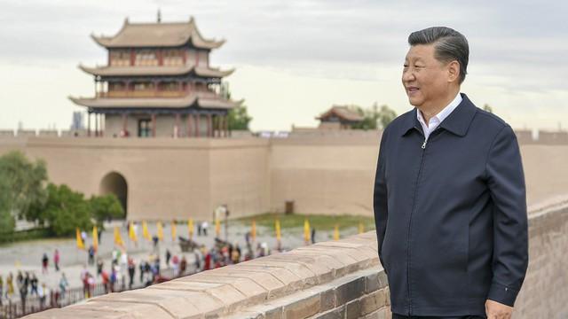 2 ông Tập-Vương đến Vạn Lý Trường Thành từ 2 hướng trong cùng 1 ngày, TQ muốn nói gì với Mỹ?
