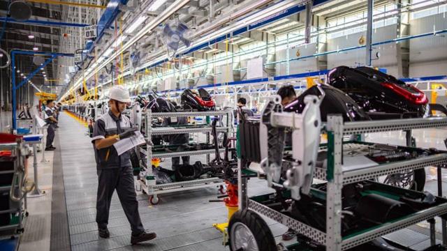 Năng suất lao động của người Việt quá thấp: 1 người Singapore làm bằng 10 người Việt