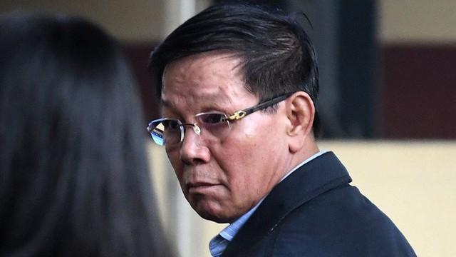 """Luật sư nói cựu tướng Phan Văn Vĩnh """"sốc"""" khi bị khởi tố thêm tội Ra quyết định trái luật"""