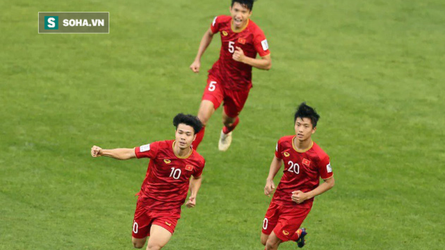 """HLV Nguyễn Thành Vinh: Việt Nam là ngọn cờ đầu giúp bóng đá ĐNÁ """"đại náo"""" tại vòng loại WC"""