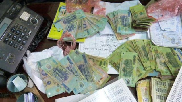 2 phụ nữ bị bắt vì cho vay nặng lãi 2,1 tỷ đồng lấy lại 2,5 tỷ đồng