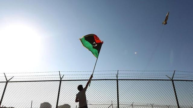"""Máy bay Thổ tung hoành chiến trường Libya: Hai """"chìa khóa chiến thắng"""" của LNA bỏ mạng?"""