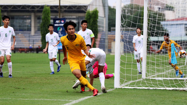 Sao gốc Việt tỏa sáng, giúp Australia đại thắng Macau