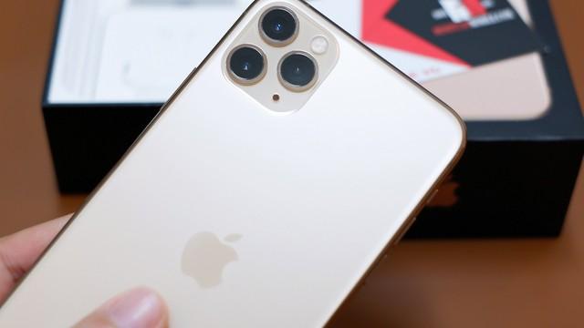 Muốn iFan Việt trải nghiệm sớm nhất, chủ tiệm chi 100 triệu đồng đưa iPhone 11 về nước