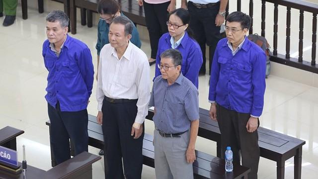 Cựu Thứ trưởng Lê Bạch Hồng bị tuyên án 6 năm tù, buộc bồi thường 150 tỷ đồng