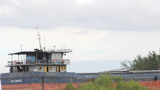 Bình Thuận: Chìm tàu hơn 3.000 tấn, 6 tấn dầu D.O 'nằm dưới biển'