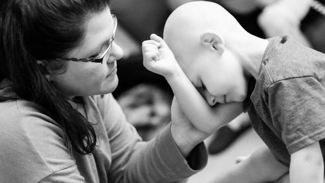 Hãng dược và những bệnh nhân ung thư: Bí ẩn đằng sau những hộp thuốc nghìn USD
