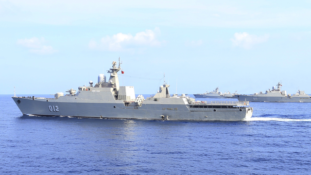 Thấy vũ khí trên tàu Gepard Nga, ngỡ ngàng về sức mạnh Tàu 016 Quang Trung của HQVN