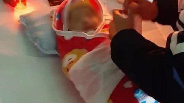 Hà Nội: Làm rõ cái chết của bé gái hơn 2 tháng tuổi sau khi tiêm phòng ở trạm y tế xã