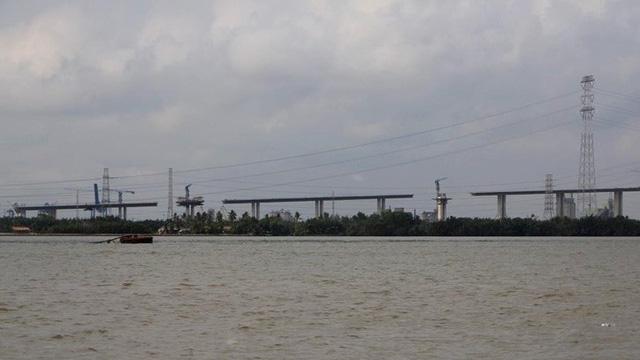 Ảnh: Cầu dây văng tĩnh không cao nhất Việt Nam trên cao tốc Bến Lức - Long Thành