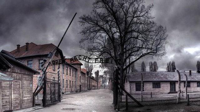 """""""Lửa địa ngục"""" cháy suốt 57 năm ngay bên dưới """"thị trấn ma"""" ở nước Mỹ"""