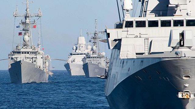 NATO đe dọa sẽ triển khai tàu ngầm và hỗ trợ vũ khí cho Ukraine đối đầu Nga