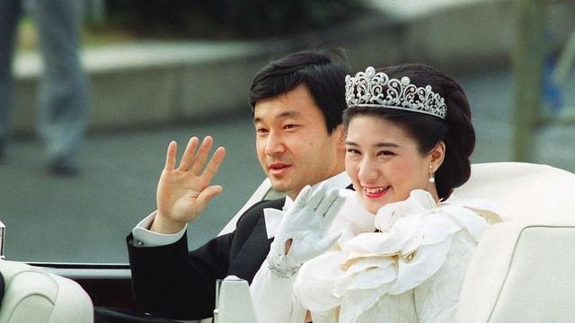 Nhật hoàng mới và gánh nặng truyền thống Hoàng gia