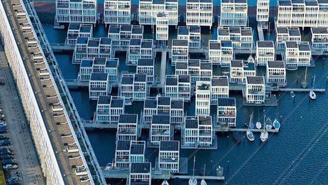 """Chiêm ngưỡng cả trăm ngôi nhà được xây nổi trên mặt nước: Một """"quần thể kiến trúc"""" đáng tự hào của thủ đô Amsterdam"""
