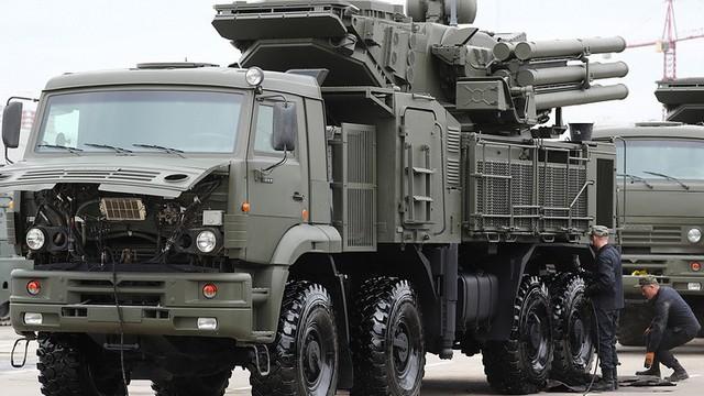 Chiêm ngưỡng hai vũ khí uy lực của Nga đang được láng giềng thèm muốn