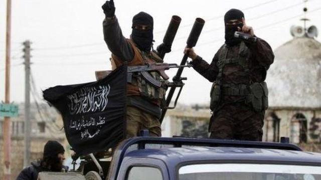 """Chiến sự Syria: Phiến quân trỗi dậy tấn công sân bay Hama đáp trả """"đòn thù"""" của Nga, Syria"""