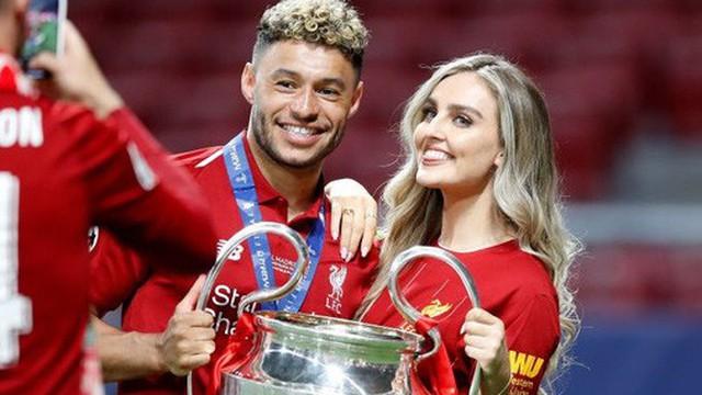 Cao thủ không bằng tranh thủ: Nhân dịp vô địch Champions League, sao Liverpool khoe luôn cô người yêu xinh như thiên thần