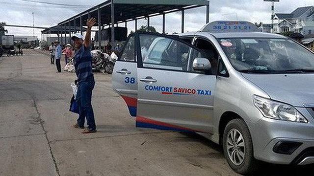 Không cạnh tranh được với Grab, một hãng taxi TP.HCM tuyên bố giải thể