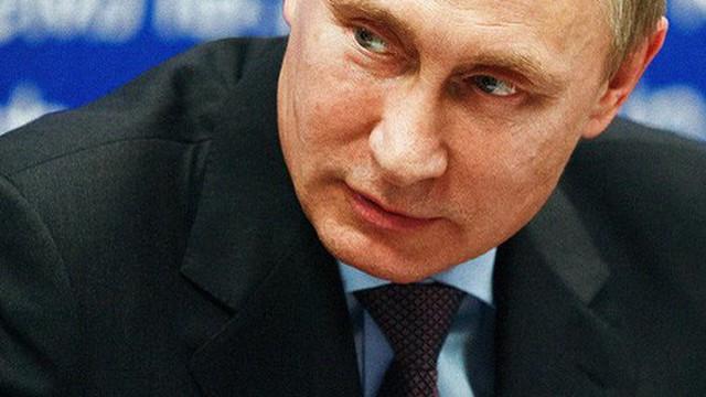 Căng với Moscow, nhưng Mỹ không thể ngừng mua động cơ tên lửa 'độc' từ Nga?