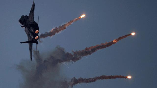 """Chiến sự Syria: Bắn phá dữ dội dưới sự hậu thuẫn của Nga, lực lượng Syria vẫn """"bế tắc"""" ở Idlib?"""