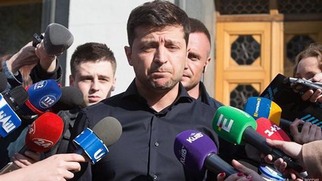"""Ông Poroshenko chỉ ra """"mối đe dọa"""" đối với Ukraine qua bài phát biểu của TT Zelensky"""