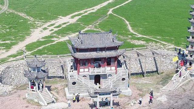 """Kỳ lạ ngôi chùa """"nhẫn giả"""", một năm chỉ xuất hiện một lần tại Trung Quốc"""