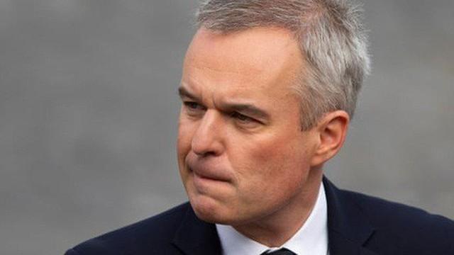 Bị tố tiệc tùng xa xỉ, Bộ trưởng môi trường Pháp từ chức
