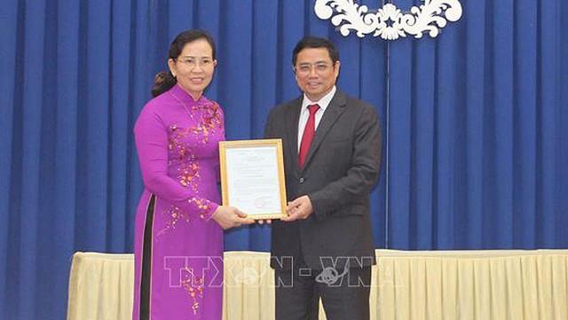 Công bố nhiều quyết định nhân sự ở Văn phòng Quốc hội và 2 tỉnh