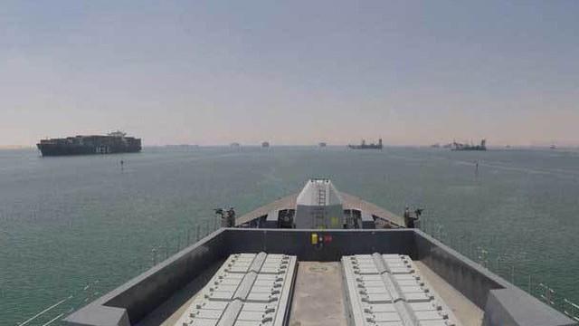 Tàu chiến tới vùng Vịnh, Anh quyết 'chơi rắn' với Iran