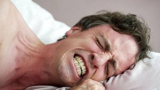 Khắc phục chứng nghiến răng khi ngủ