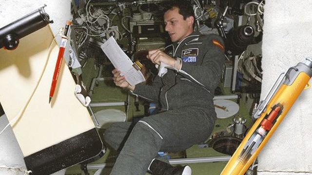 Hóa ra chuyện NASA tốn tiền nghiên cứu bút viết trên vũ trụ và 'giải pháp bút chì' của người Nga chỉ là kể cho vui mà thôi, đây mới là sự thực