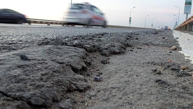Vì sao cầu Thăng Long rung lắc mỗi khi xe ô tô đi qua?