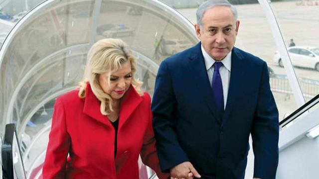 Video: Vợ Thủ tướng Israel mắng cơ trưởng, ném bánh mỳ xuống đất ở Ukraine