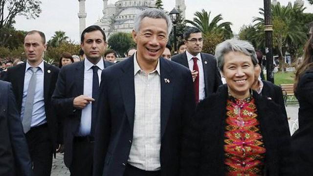 Blogger bình luận về lương chồng, vợ Thủ tướng Lý Hiển Long lên Facebook đáp trả