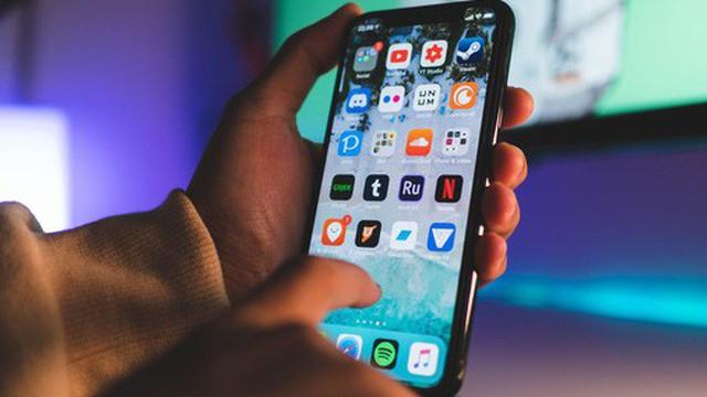"""3 chiêu """"mật ngọt chết ruồi"""" lừa mua iPhone kém sang, làm sao để biết mình dính bẫy mà tránh?"""