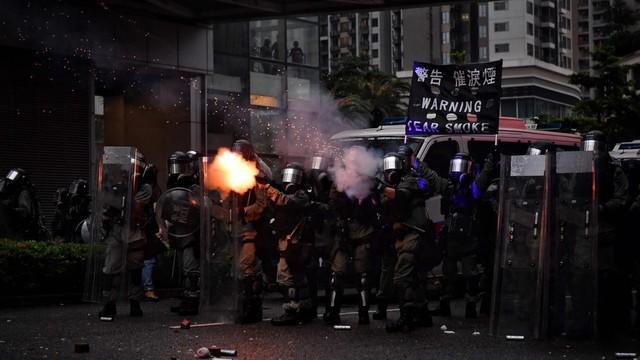 'Biểu tình Hong Kong là khủng hoảng lớn nhất từ trước đến nay'
