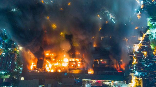 Bom lửa trong lòng khu dân cư, bao giờ hết lo?