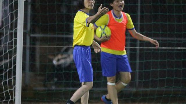 Khi các cựu tuyển thủ quốc gia nữ đi đá phủi