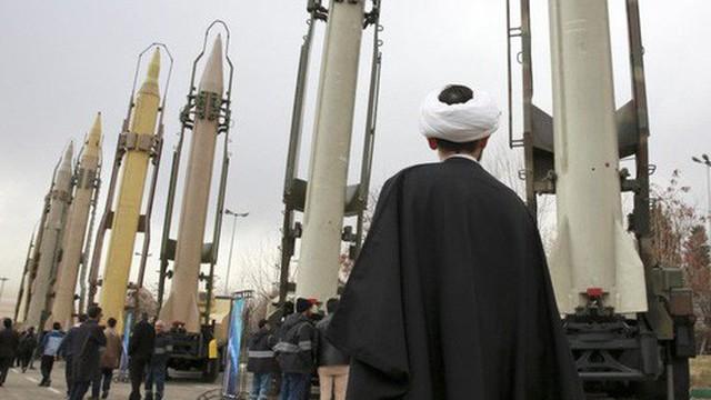 Nga - Iran nhắm trực diện Mỹ về nguy cơ hạt nhân, tên lửa