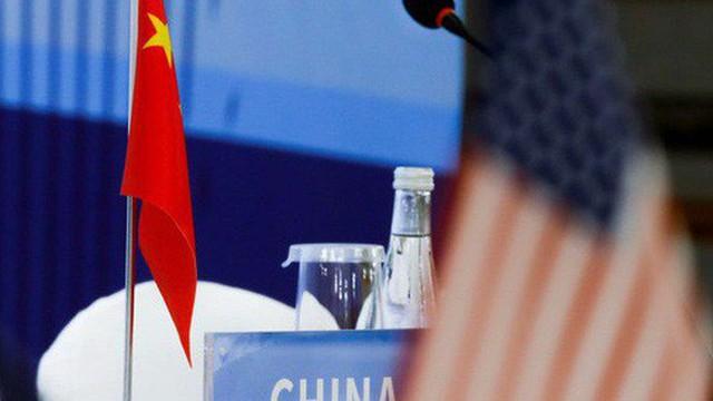 Xuất khẩu bất ngờ sụt giảm, Trung Quốc thấm đòn chiến tranh thương mại