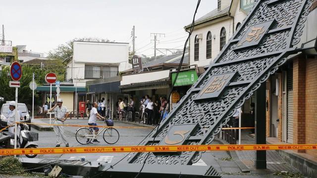 Bão Faxai mang gió mạnh kỉ lục đổ bộ Nhật Bản, Tokyo tan hoang