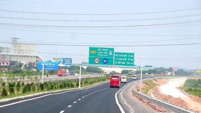 Cận cảnh 64km cao tốc Bắc Giang - Lạng Sơn trong ngày thông xe