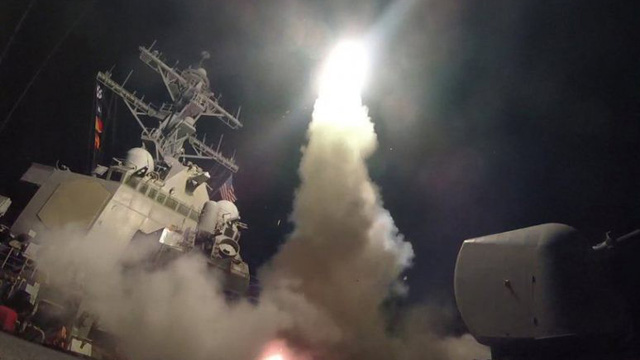 Mỹ chuẩn bị tấn công Syria bằng tên lửa hành trình Tomahawk?