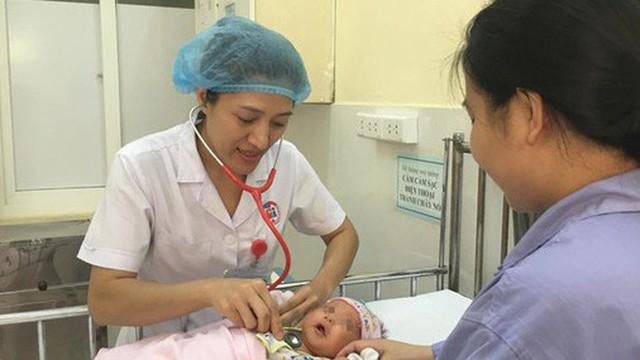 Mẹ uống thuốc nam để lợi sữa khiến trẻ sơ sinh nguy kịch
