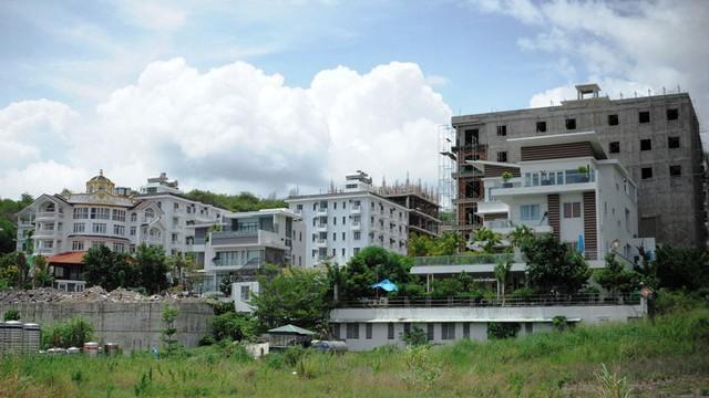 Cưỡng chế tháo dỡ tại Khu biệt thự cao cấp Ocean View tại Khánh Hòa