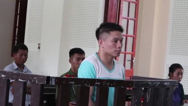 Chồng bị tuyên tử hình vì ham 5.000 USD, vợ ngất xỉu