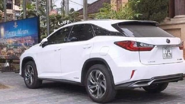 Bất minh cấp biển số VIP cho xe Lexus ở Huế: 2 công an bị đình chỉ là ai?