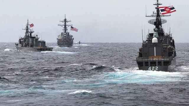 """Lo Trung Quốc bành trướng trên Biển Đông, ASEAN gấp rút """"móc hầu bao"""" cho quân sự"""
