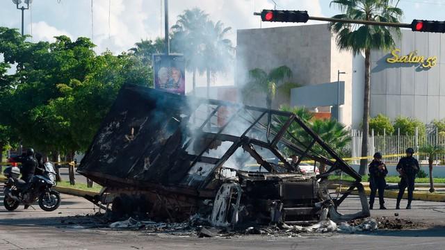 Mổ xẻ vụ tẩu thoát của con trai trùm ma túy El Chapo